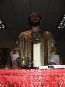 Diácono da E.G.C. durante a Missa Gnóstica